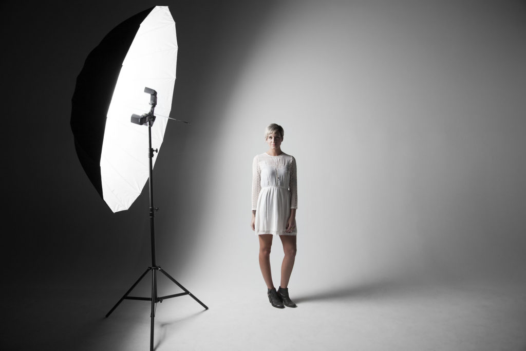 Top 5 Essential Tips to Own a Photography Studio