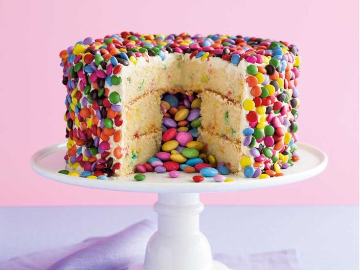 Celebrating Birthday – Here are few birthday Cake ideas fro your girl child